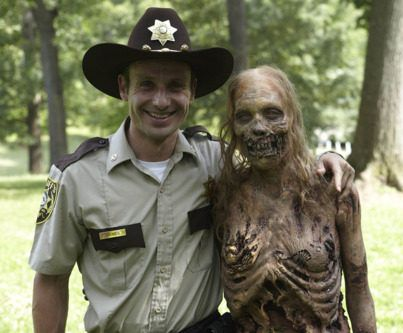 the-walking-dead - rick + zombie