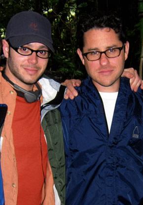 A sinistra Damon Lindelof, a destra J.J. Abrams in una foto delle origini di Lost.