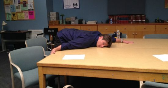 Nathan Fillion sul set di Community 1