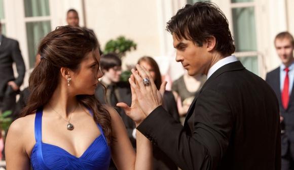 Damon-and-elena-dance_1x19