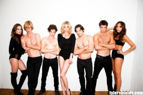 Il cast di Revenge fotografato da Tyler Shields